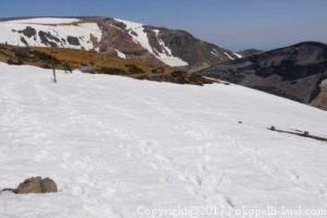 蔵王御釜馬の背雪