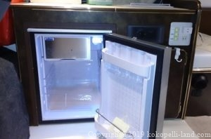 冷蔵庫右開